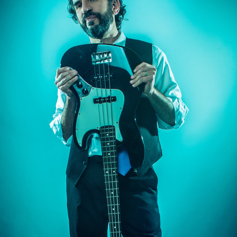 Michael Goldwasser_Fender Jazz Bass - Photo Credit Jay Velarde