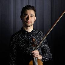 William Simard est violoniste au sein du Collectif de la Cité