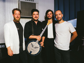 Deering Banjo's and Mumford and Sons team up to raise funds for Voices