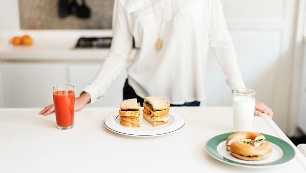 bagel-breakfast-drinks-1342249.jpg