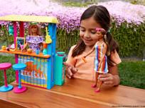 Barbie y su primera colección  hecha con desechos plásticos