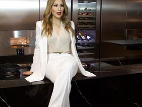 Daniella Valenzuela,  busca empoderar a las mujeres con su trabajo