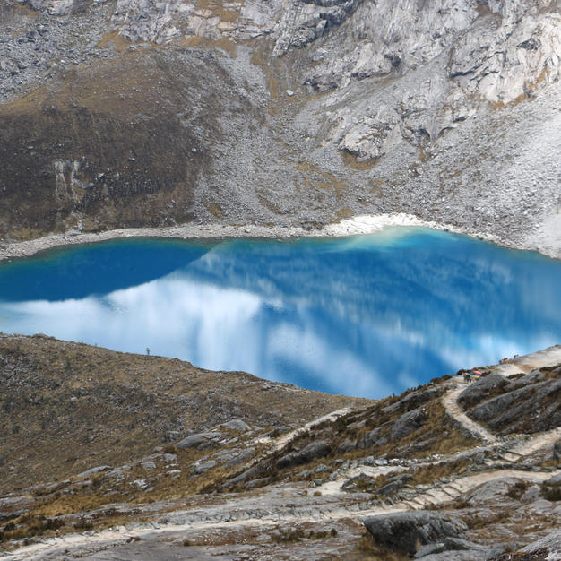Laguna Taullicocha.JPG