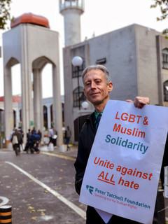 16. Graded_PeterTatchell_London_mosque_b
