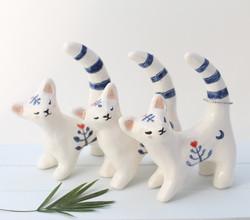 BLUE CAT RING HOLDER