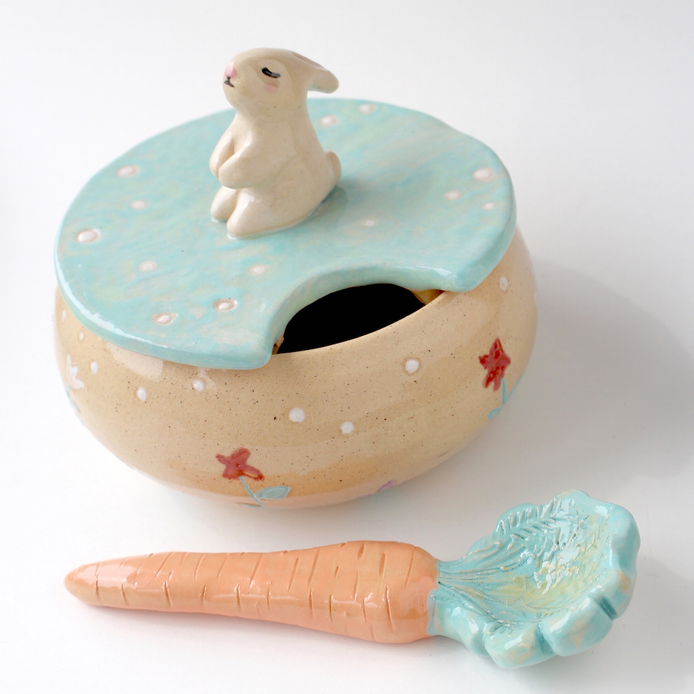 RABBIT SUGAR BOWL WITH CARROT SPOON