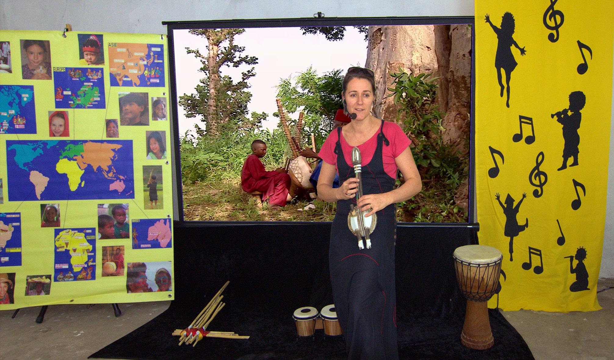 Décor spectacle avec instruments