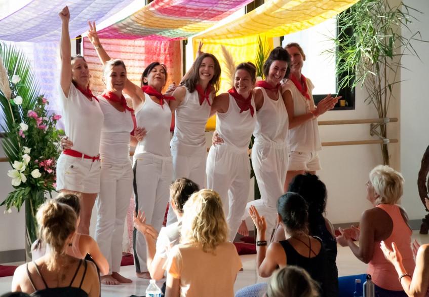 Danse d'accueil de la Chili Team