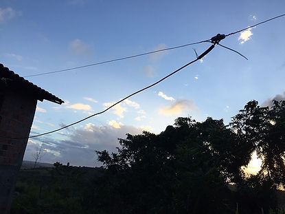 Uma das antenas dipolo do Radio Jove