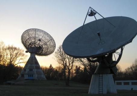 Astropeiler, radiotelescópio educacional na Alemanha