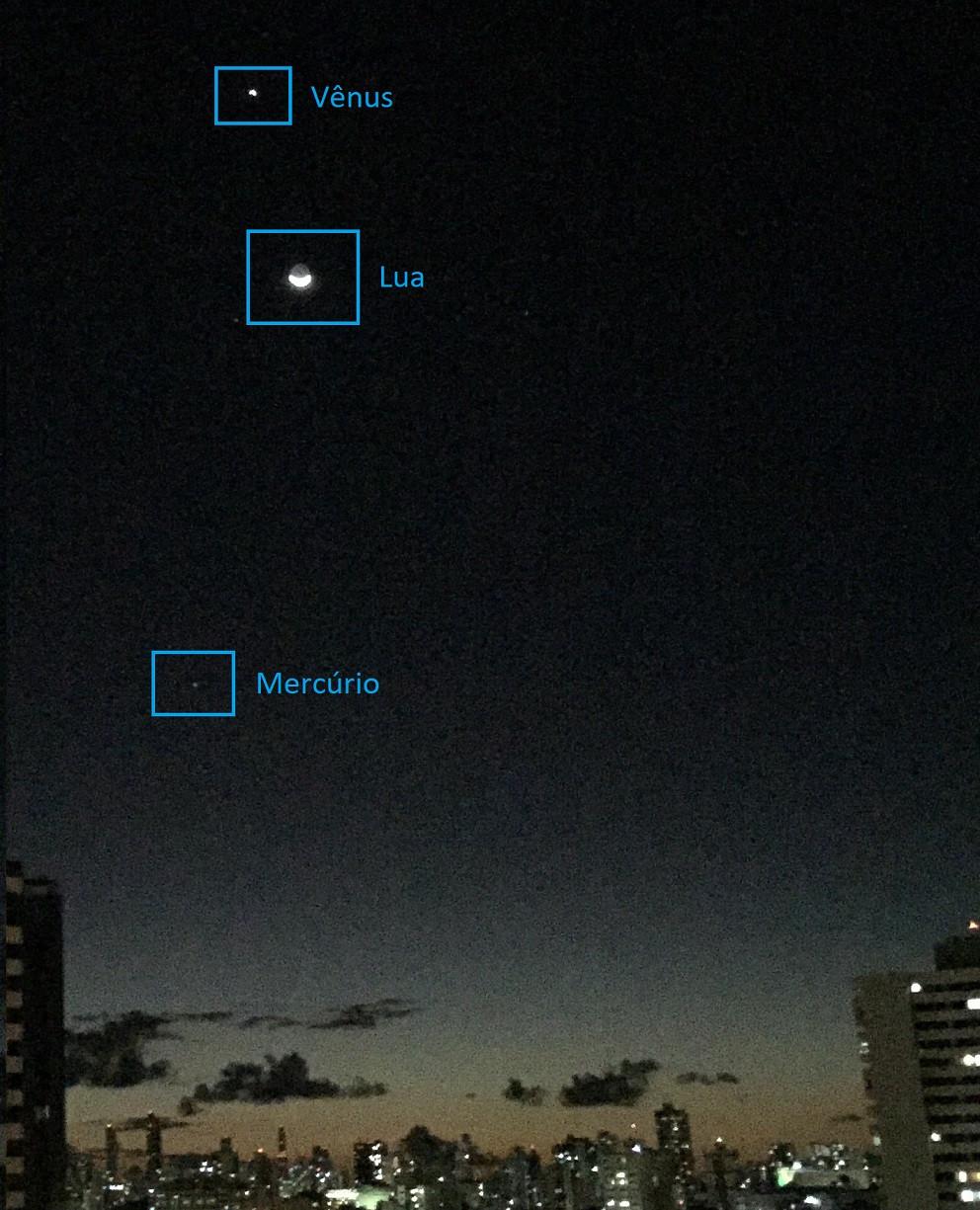 Vênus, Lua e Mercúrio: foto de celular
