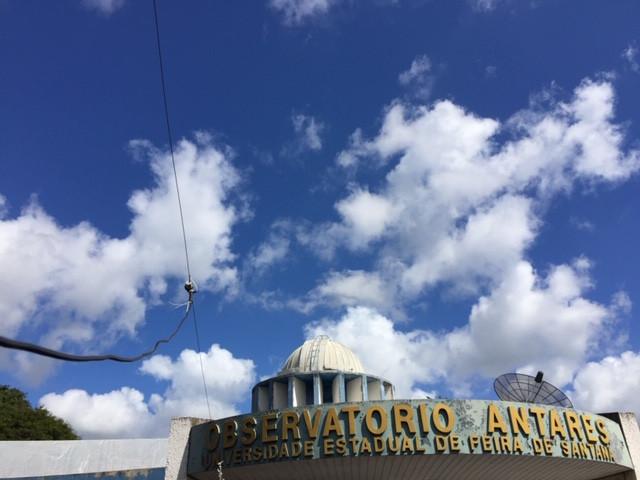 Antena dipolo do Radio JOVE no Observatório Antares