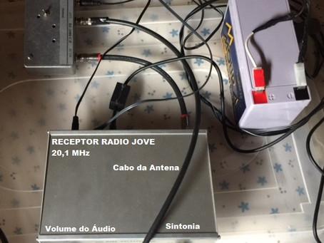 Sessão de radioastronomia experimental com o Radio Jove
