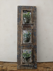 Rustic 3 Cup Frame & Succulents