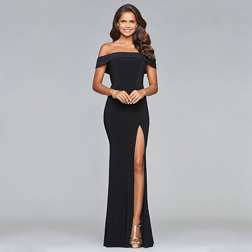 [RENT] Long jersey off-the-shoulder dress with slit