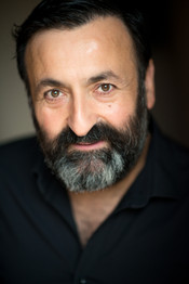 Headshot Luke Stambouliah, Photographer