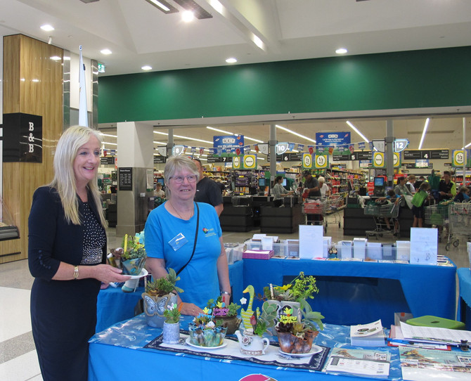 Community Day at Yanchep Central Shopping Centre with Mayor Tracey Roberts and Federal Member Christ