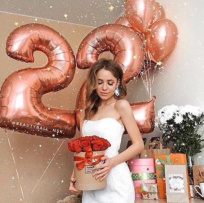 Цифры Rose Gold с шарами