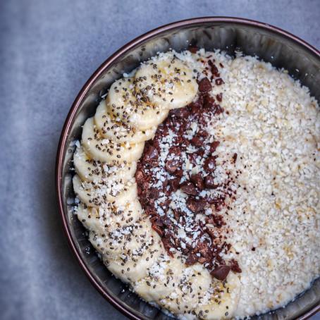 Snelle proteine havermoutpap met banaan en chocolade.