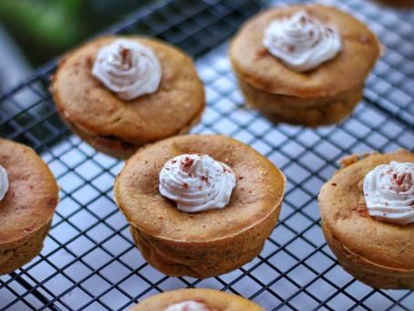 Butternut cupcakes met yoghurt frosting.