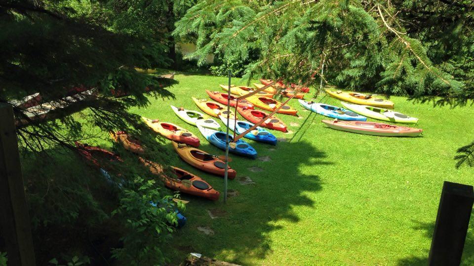 Les kayaks sont prêts