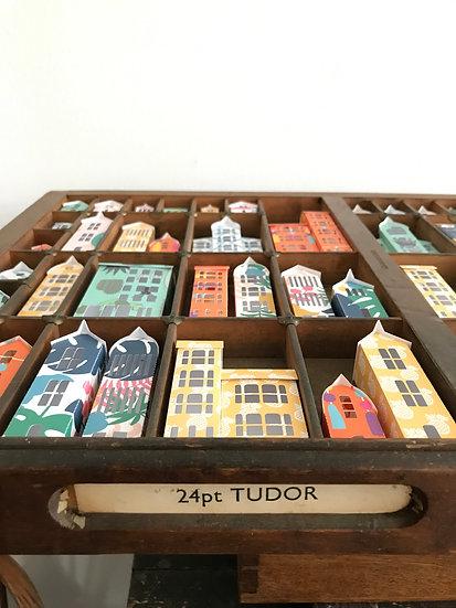 Grand Designs 24pt Tudor