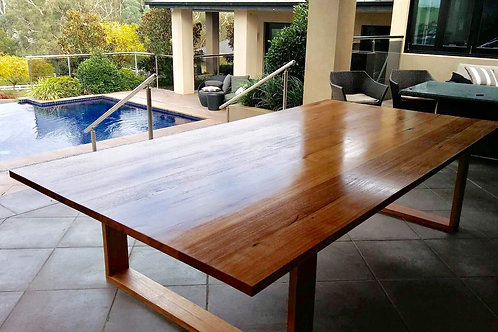 116. messmate dining table with wooden legs