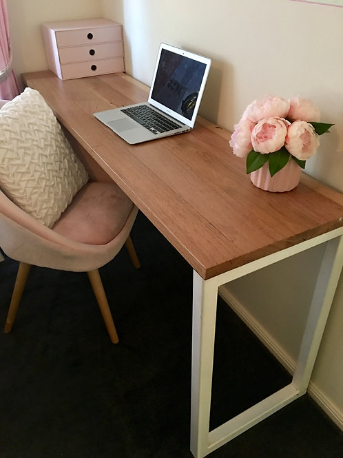 177. Messmate desk with one side white metal legs