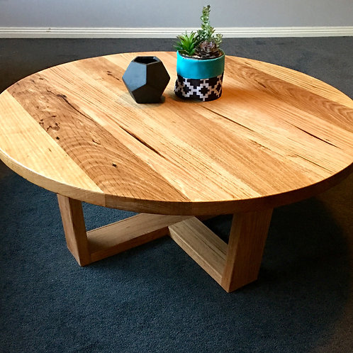 176. Messmate round coffee table