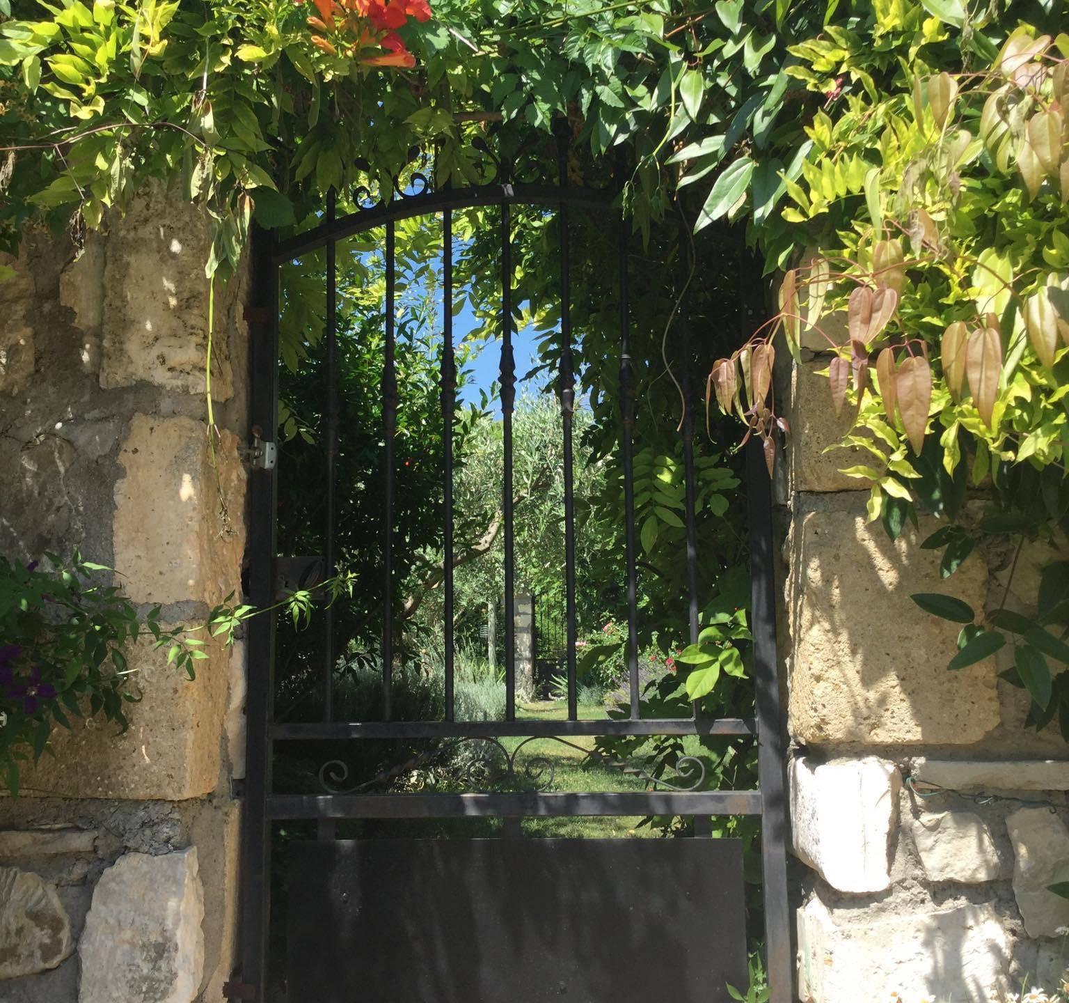 gate close up