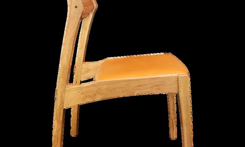 tako chair 横_edited.png