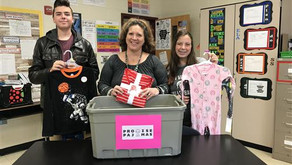 Sun Valley Middle Students Give Back