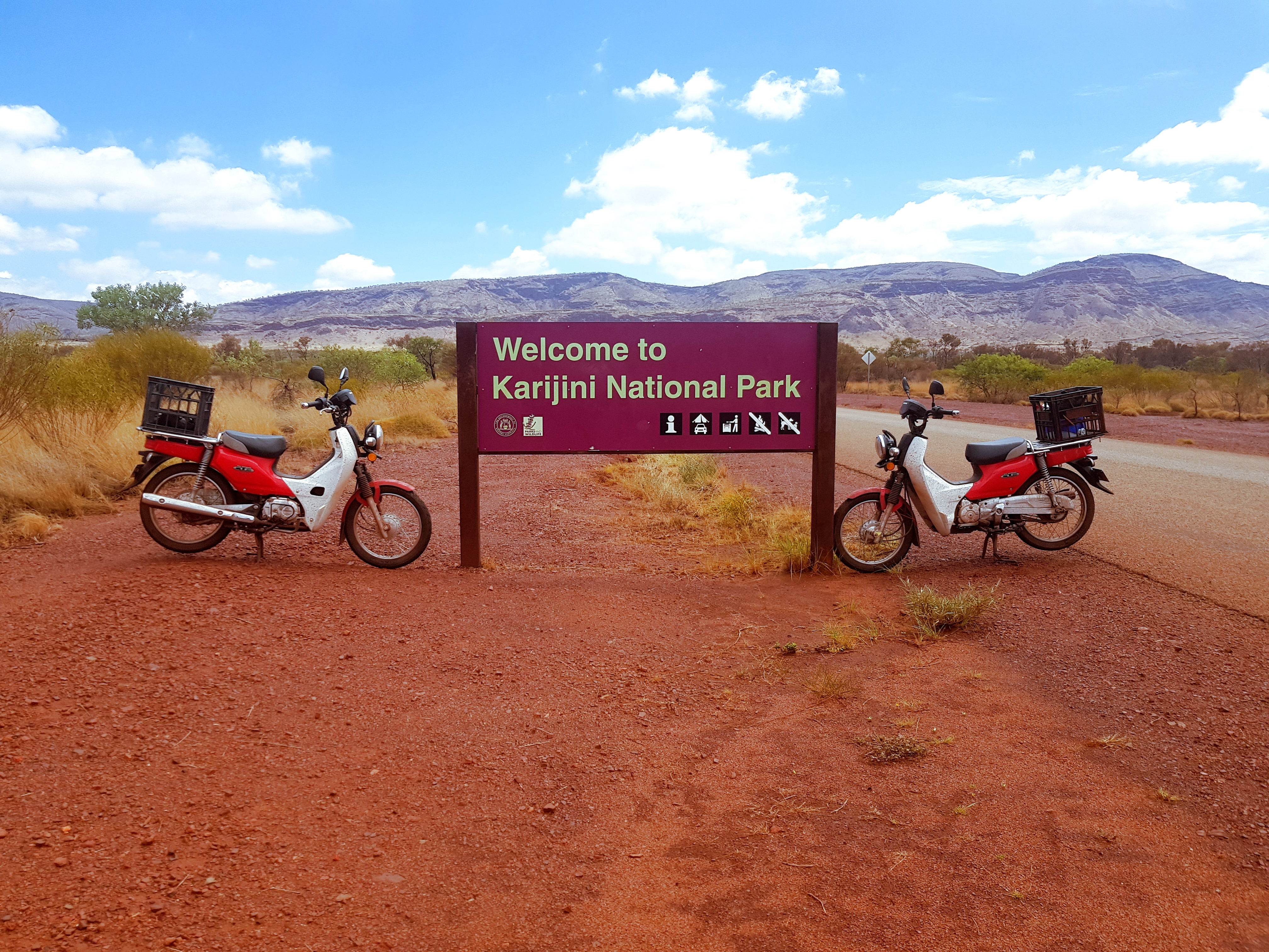 Karijini on a postie bike tour