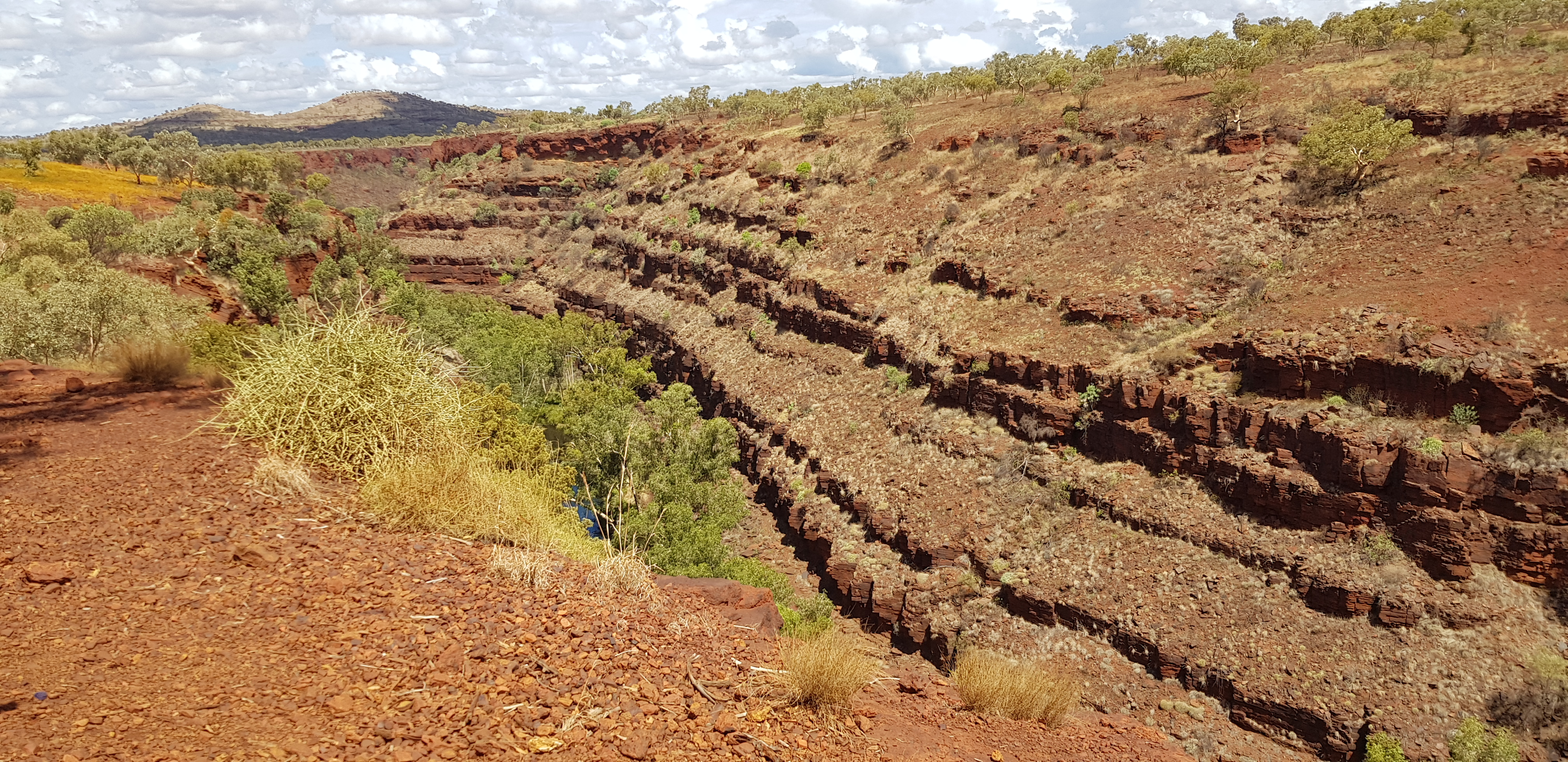 Gorges in Karijini at midday