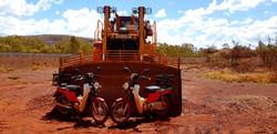 Postie Bike vs Loader - Pilbara Tour