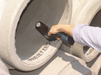 Marking concrete pipes with traceability information using the EBS handheld inkkjet printer