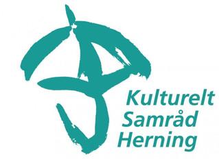 Kulturelt Samråd Herning støtter SMUKKE ORD på Team