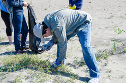 CC Day of Service 2016 Coastal Cleanup with Surfrider Foundation (4).jpg