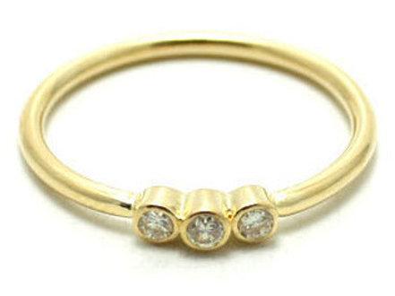 Diamond ring 3 stone 18 karat gold