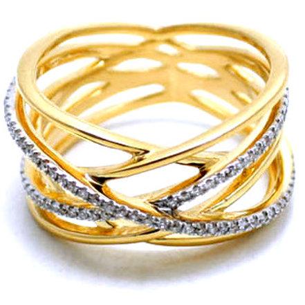 Diamond lattice criss cross ring 18 karat gold