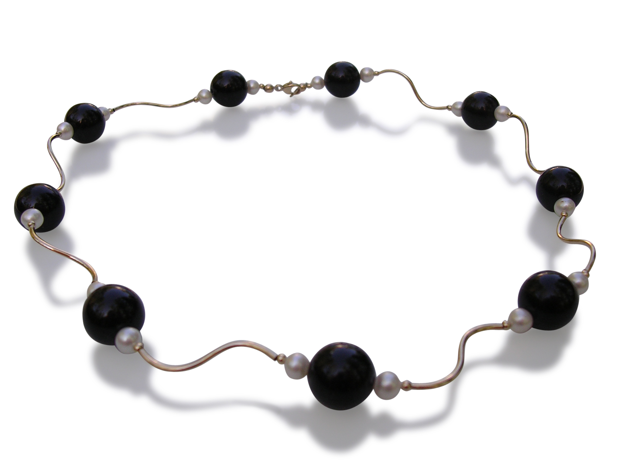 Onyx and pearl gold necklace