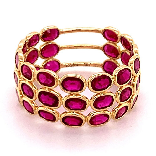 Natural Ruby 3 band ring 18 karat gold