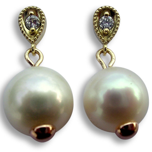 South Sea Pearl and diamond 18 karat gold post earrings