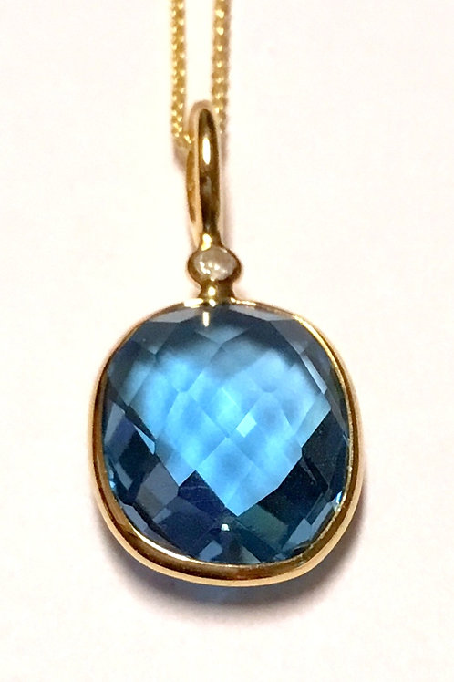 Blue topaz diamond 18 karat gold pendant