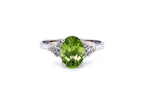 14kt White Gold Peridot Gemstone and Diamond Side Stone Ring