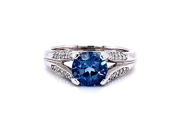 14kt White Gold Blue Topaz Gemstone and Diamond Side Stone Ring