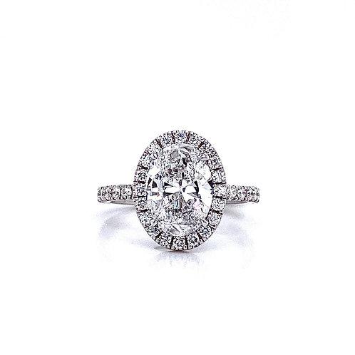18kt White Gold Ladies 2.00ct Oval Diamond Halo Ring
