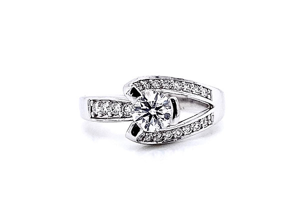 14kt White Gold 0.76ctw Round Diamond Side Stone Ring