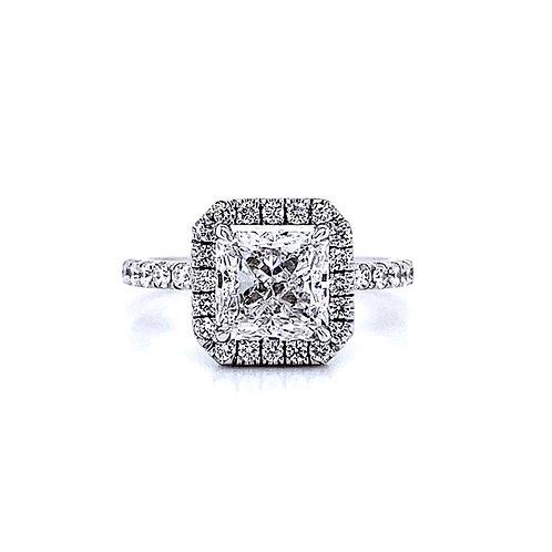 14kt White Gold Ladies 2.00ct Radiant Cut Diamond Halo Ring