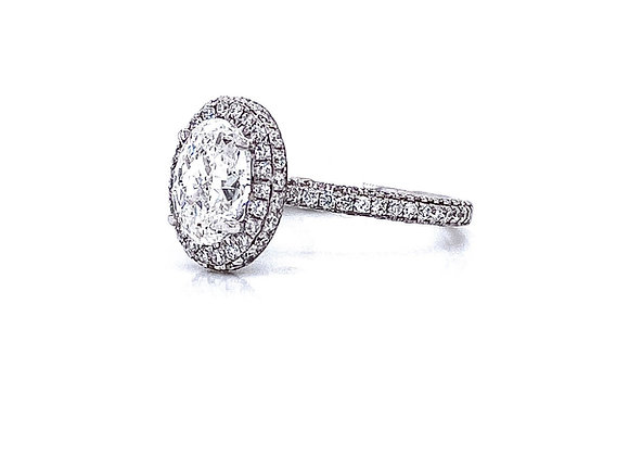 18kt White Gold Ladies 1.50ct Oval Diamond 3D Style Halo Ring